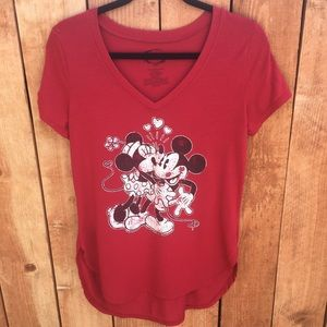 Mickey and Minnie Kissing TShirt Size Large